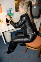 leathermandy009590