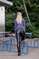 leathermandy0111115