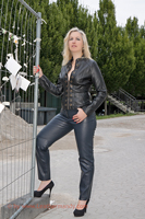 leathermandy0113541