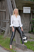 leathermandy0113609