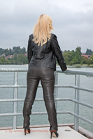 leathermandy0113887