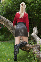 leathermandy0118804