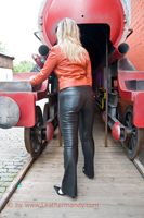 leathermandy016012