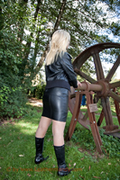 leathermandy016329